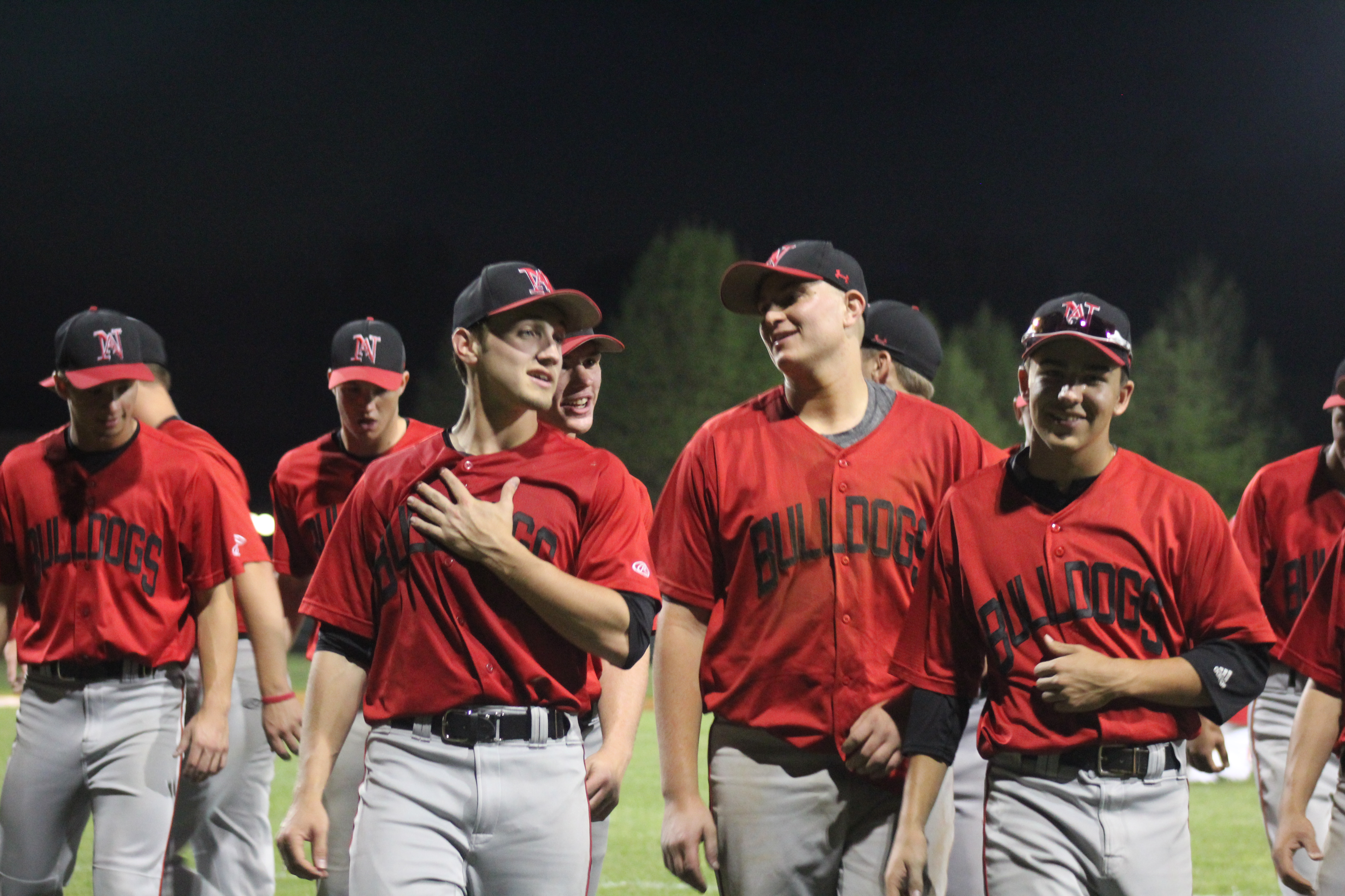 Baseball / Bulldogs defeat Red Devils 3-1 by//Olivia Jansen