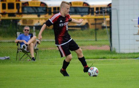 Boys soccer defeats Silver Creek