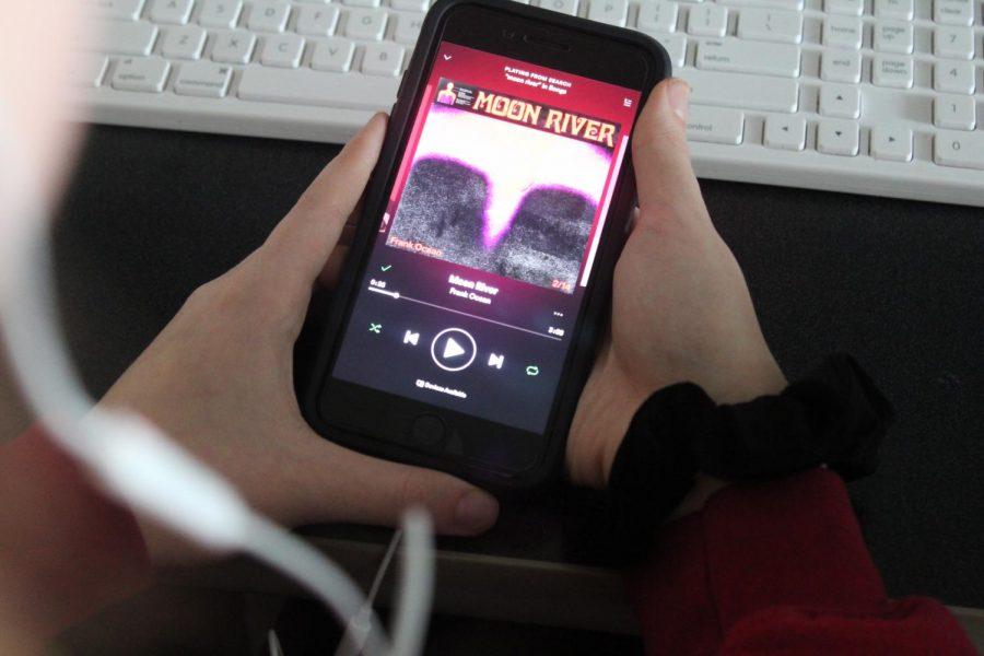 Frank Ocean releases romantic cover