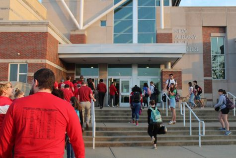 "More than 50 teachers and faculty members participate in ""walk in"""